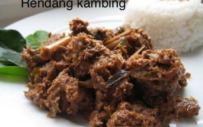 Rendang kambing (gestoofd geiten- of lamsvlees)