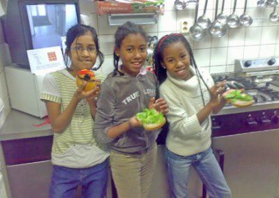 Movedis voedings- en bewegingspraktijk diëtist Rotterdam-Zuid stichting-welzijn-crooswijk-cascade-drie-meiden-kookworkshops